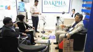 بازدید عضو شورای شهر تهران و عضو هیئت مدیره سندیکای غذا و دارو از غرفه هلدینگ داکفا